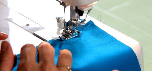 Почему рвётся верхняя нитка в швейной машинке?