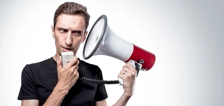 Почему нас раздражает звук собственного голоса?